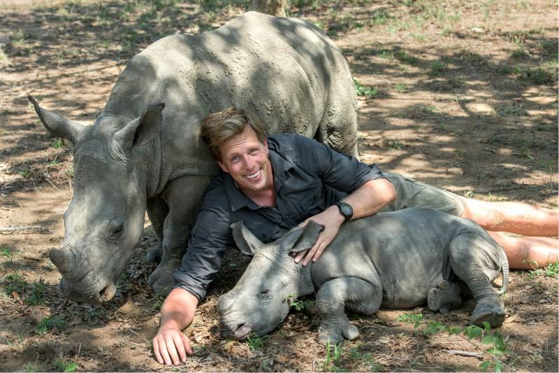 Red de witte neushoorn! | Freek Tegen De Stropers